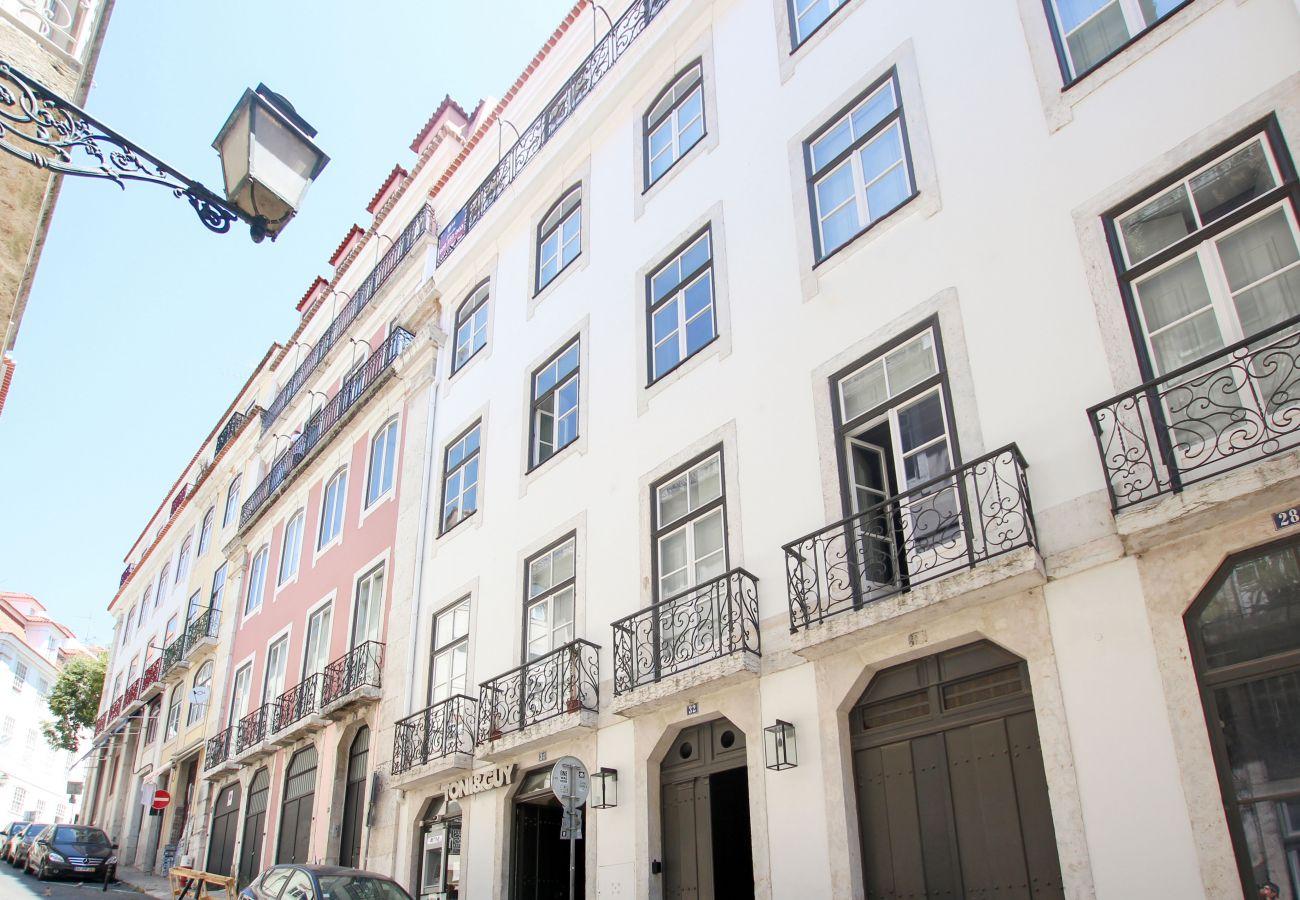 Apartment in Lisbon - Nomad's Padaria Flats Charming Memory